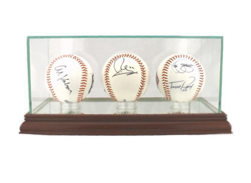 TRIPPLE BASEBALL DISPLAY CASE